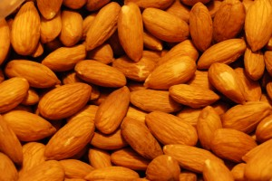 picture of almonds, healthy afternoon snacks